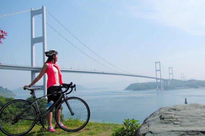 總長70公里的島波海道,景色美麗而有層次,更被CNN入選為世界7大單車道之一。(照片提供:魏華萱)