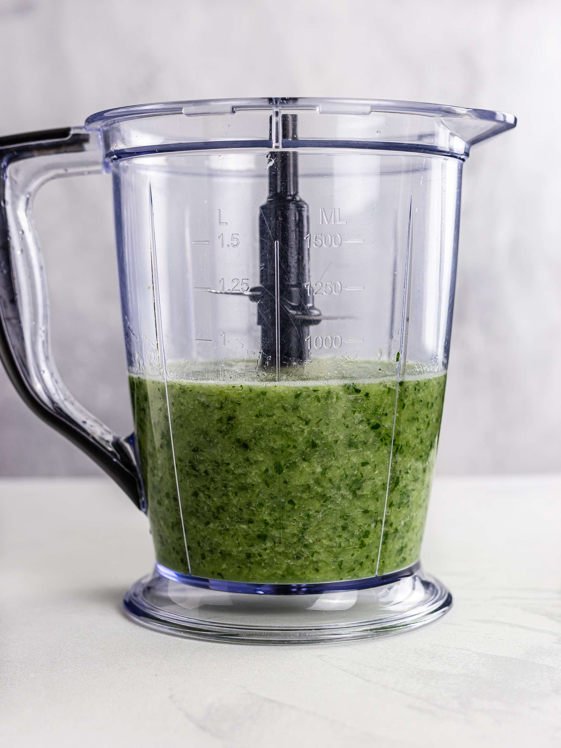 parsley smoothie in a blender