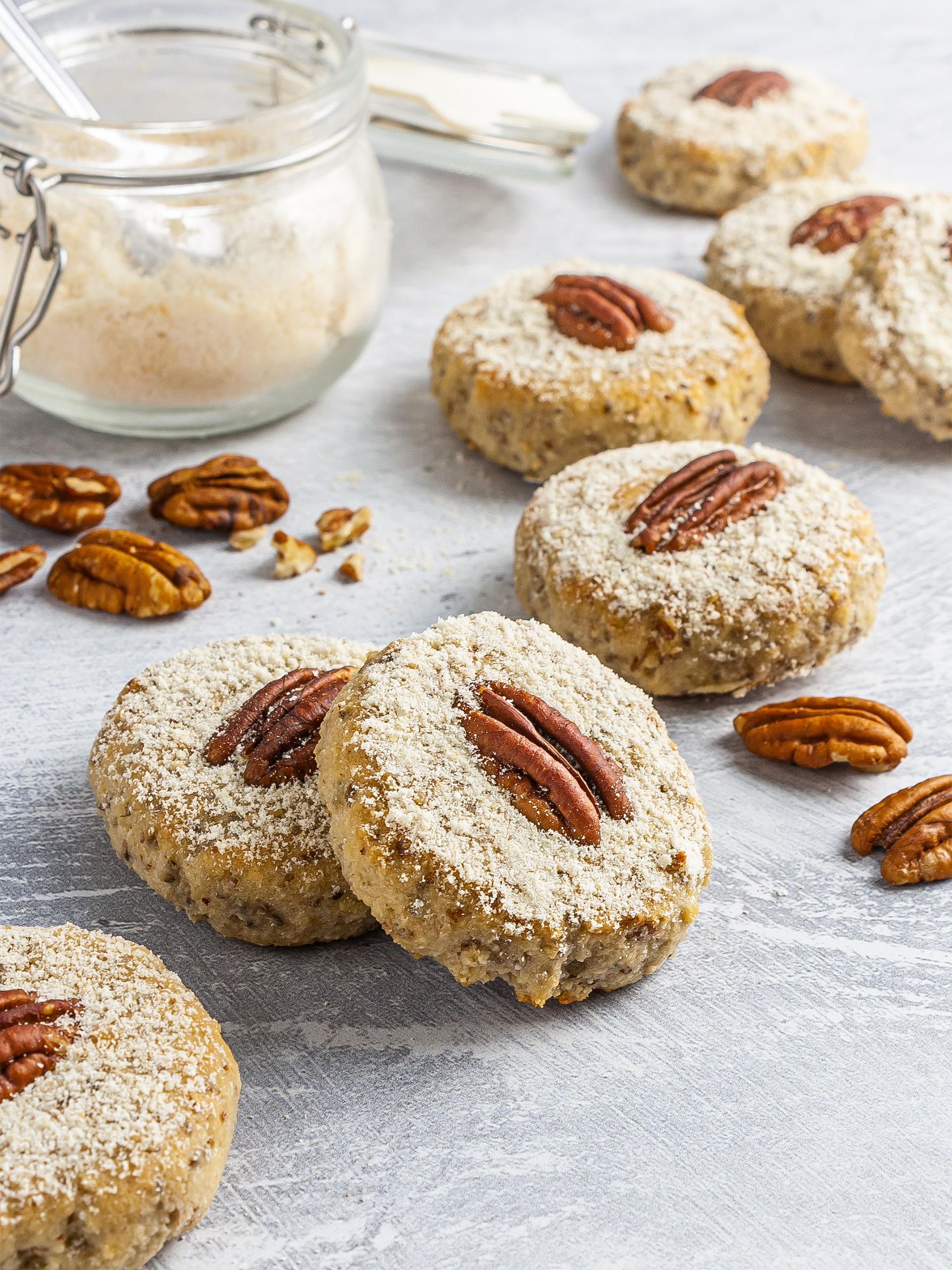 {Keto, Vegan, Gluten-free} Pecan Sandies Thumbnail