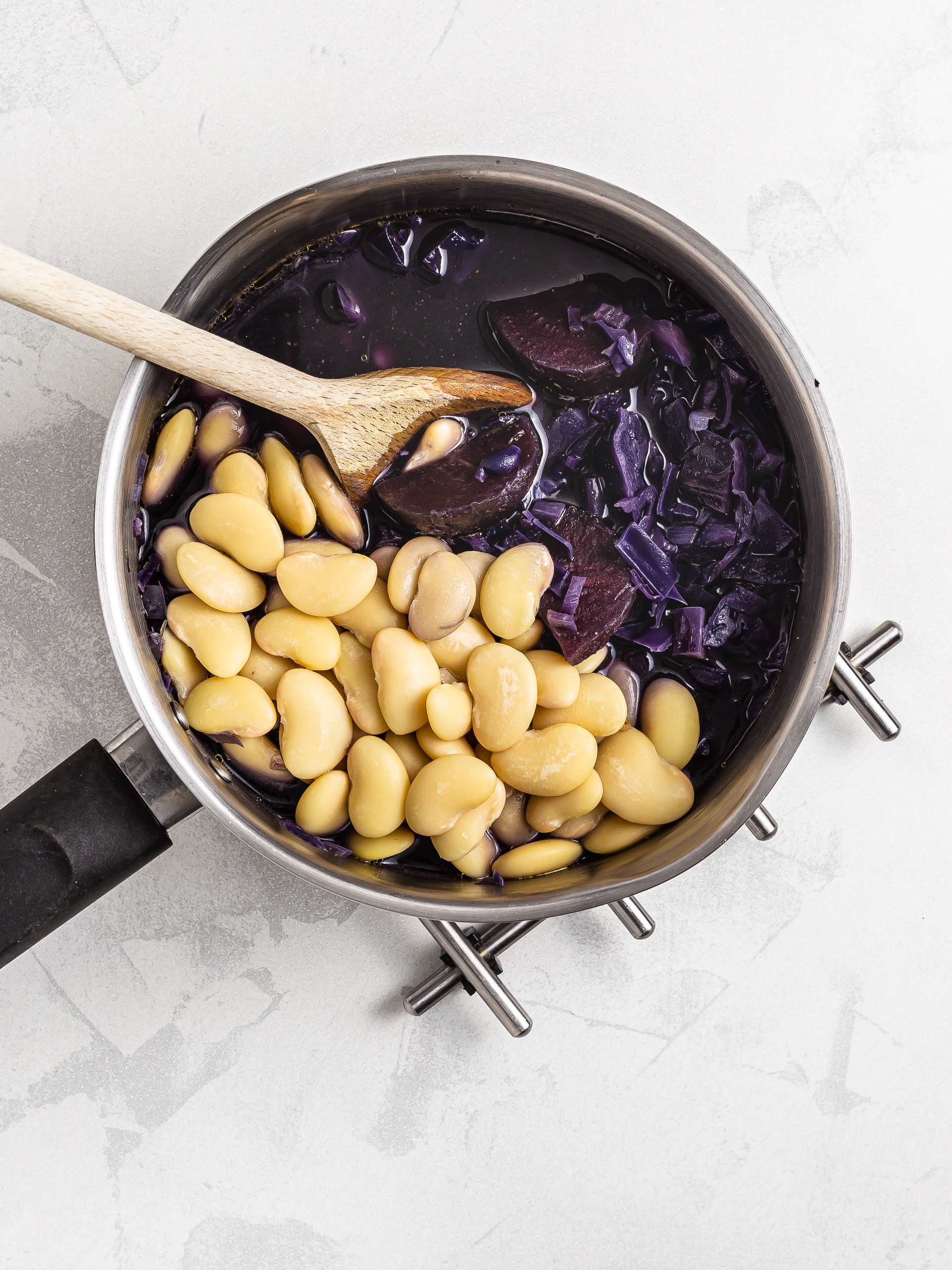 White beans in red cabbage soup