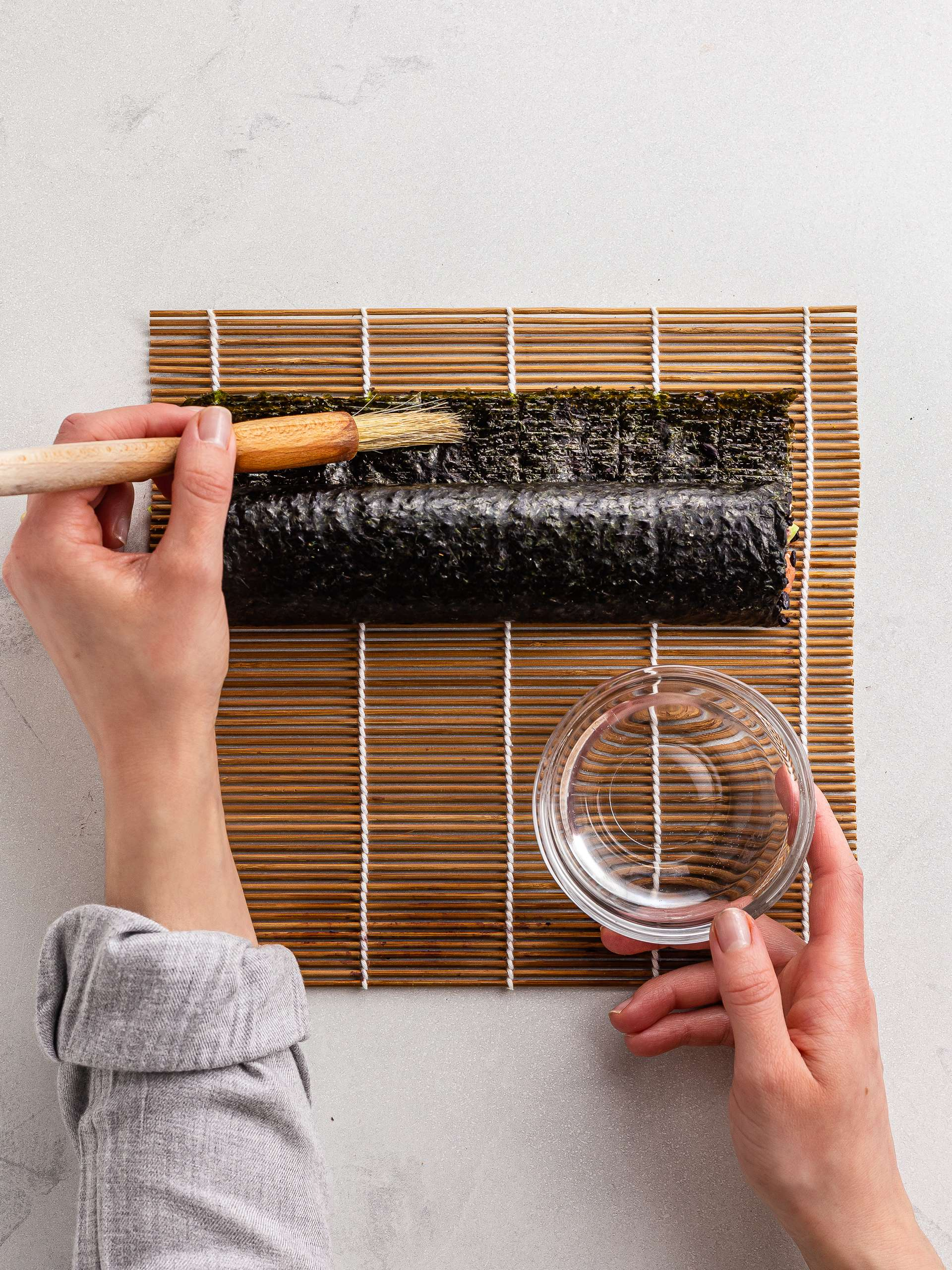 how to seal sushi