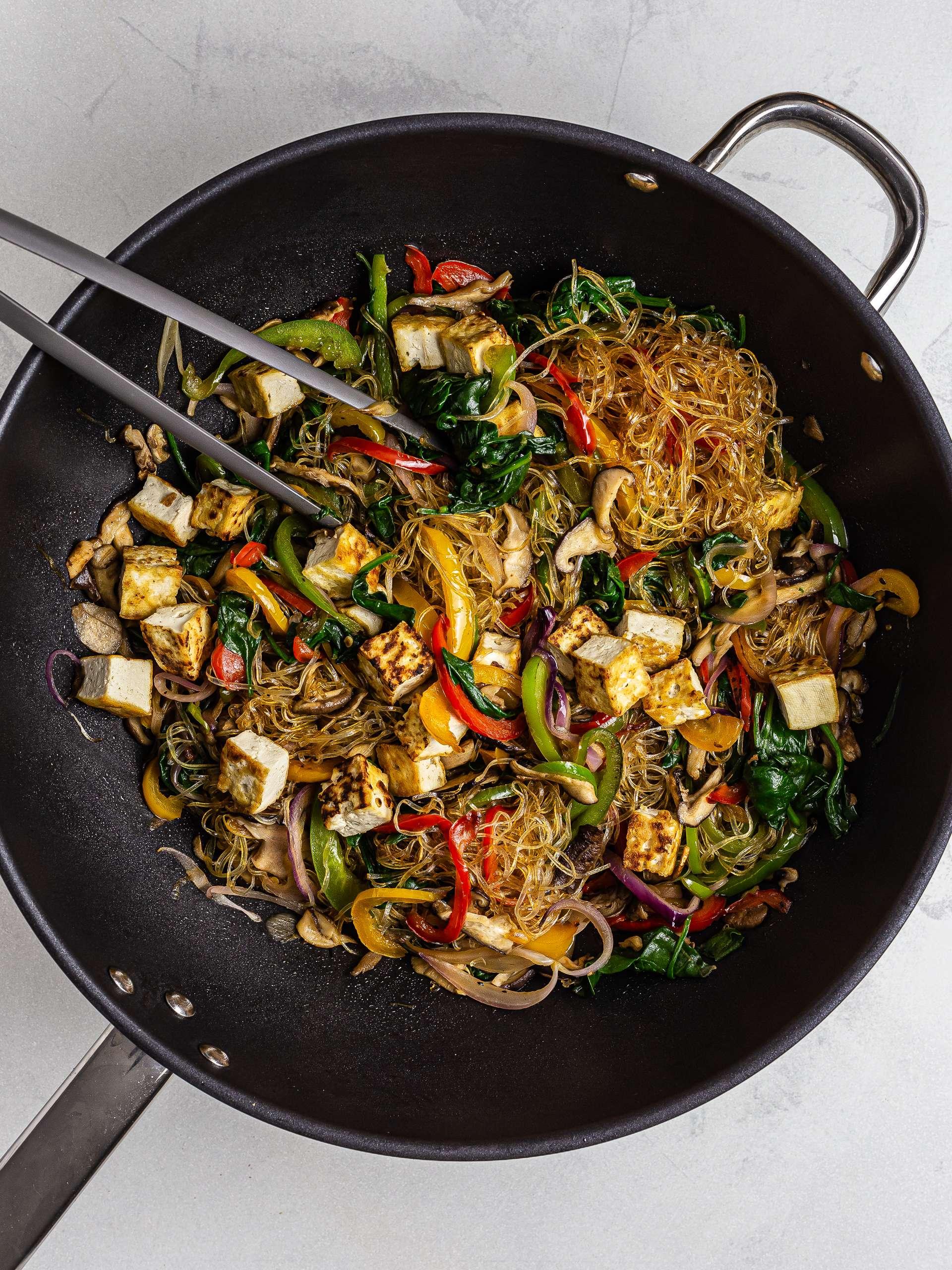 Glass noodles and vegetables stir-fry