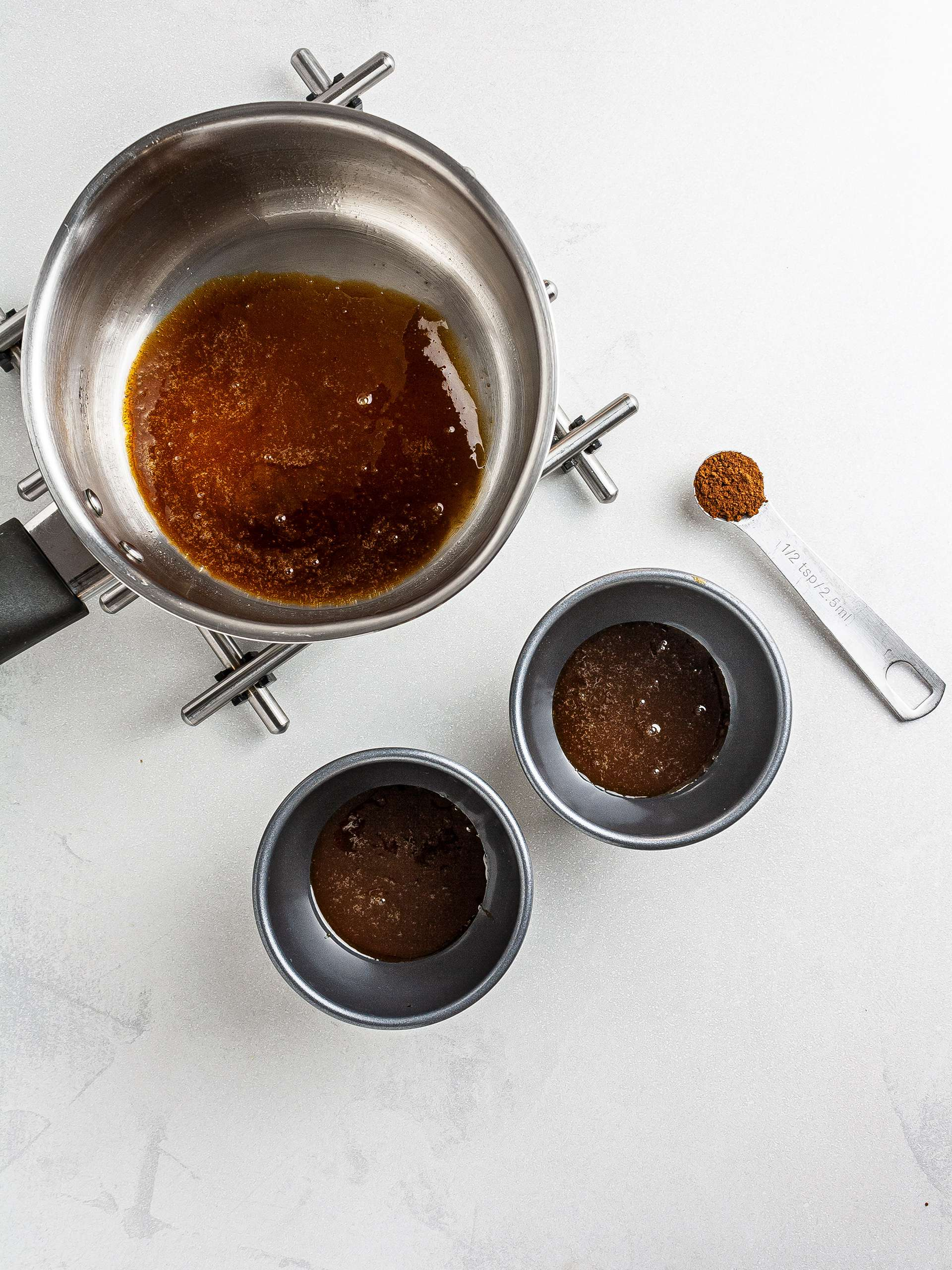 Coffee caramel in ramekins
