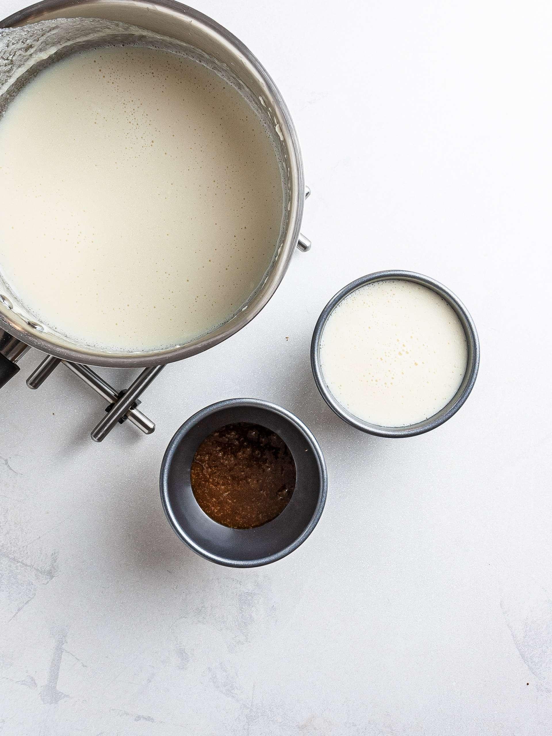Pudding layer in the ramekins