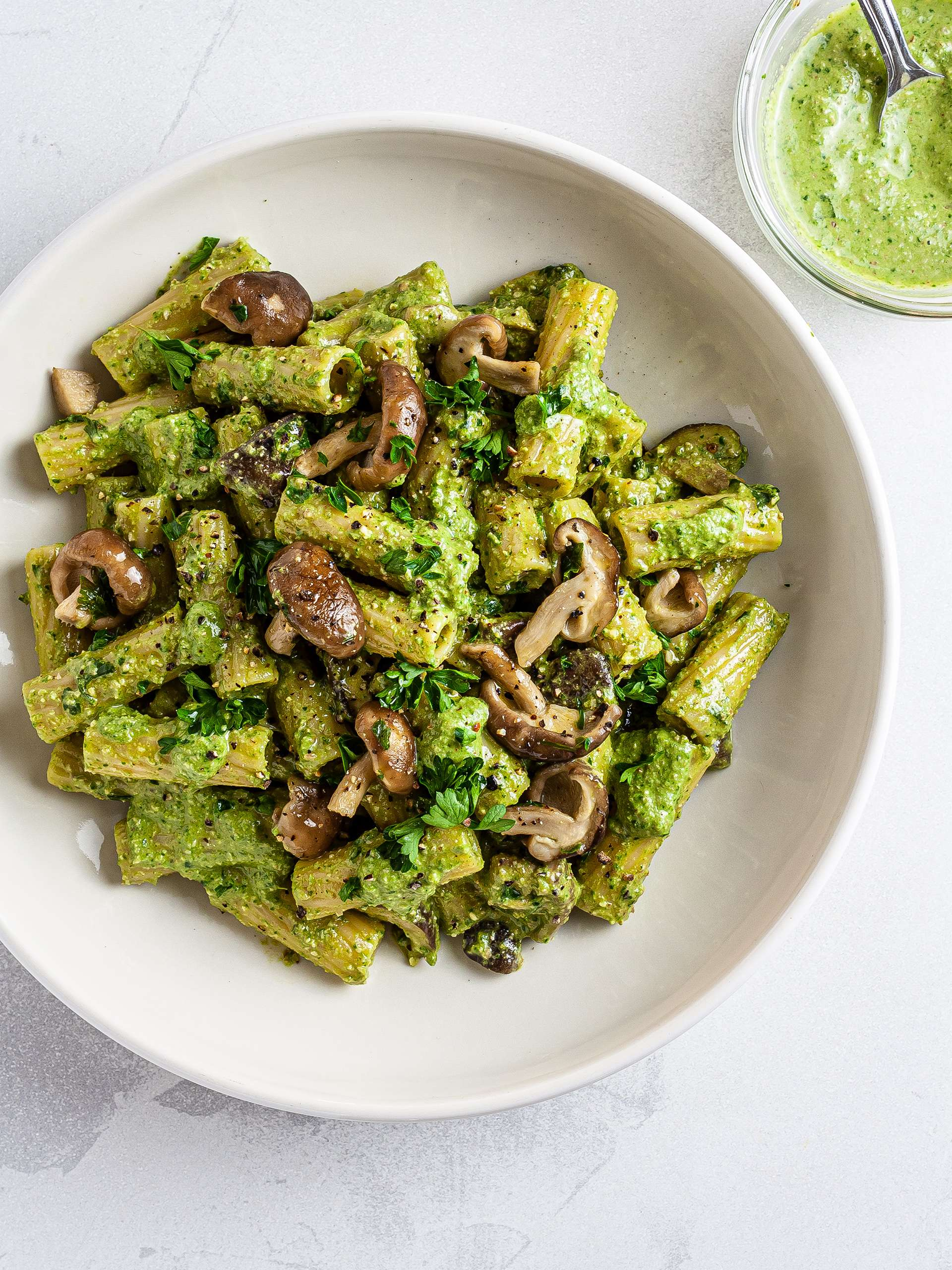 Vegan Spinach Pesto Mushroom Pasta Recipe