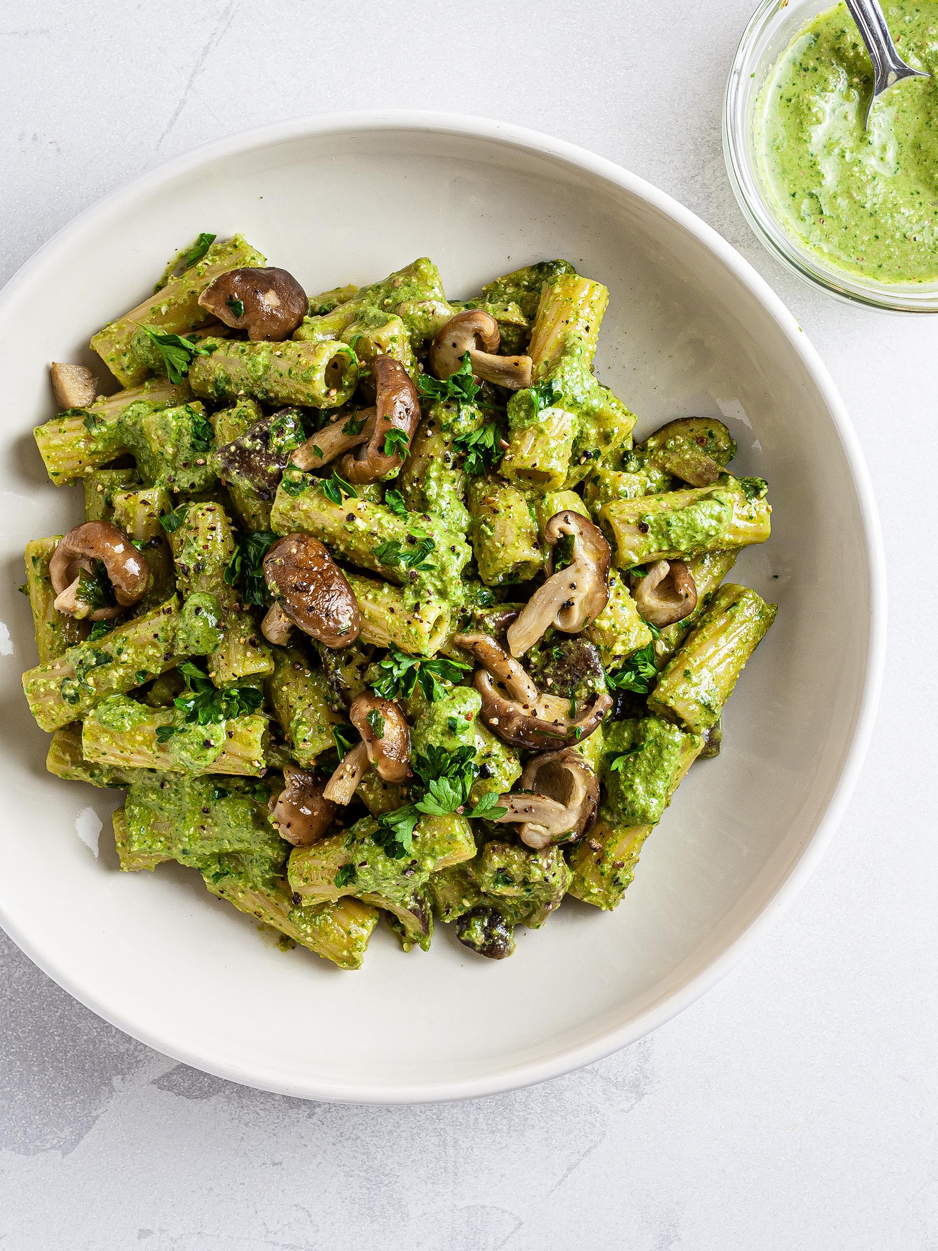 Vegan Spinach Pesto Mushroom Pasta Recipe Thumbnail