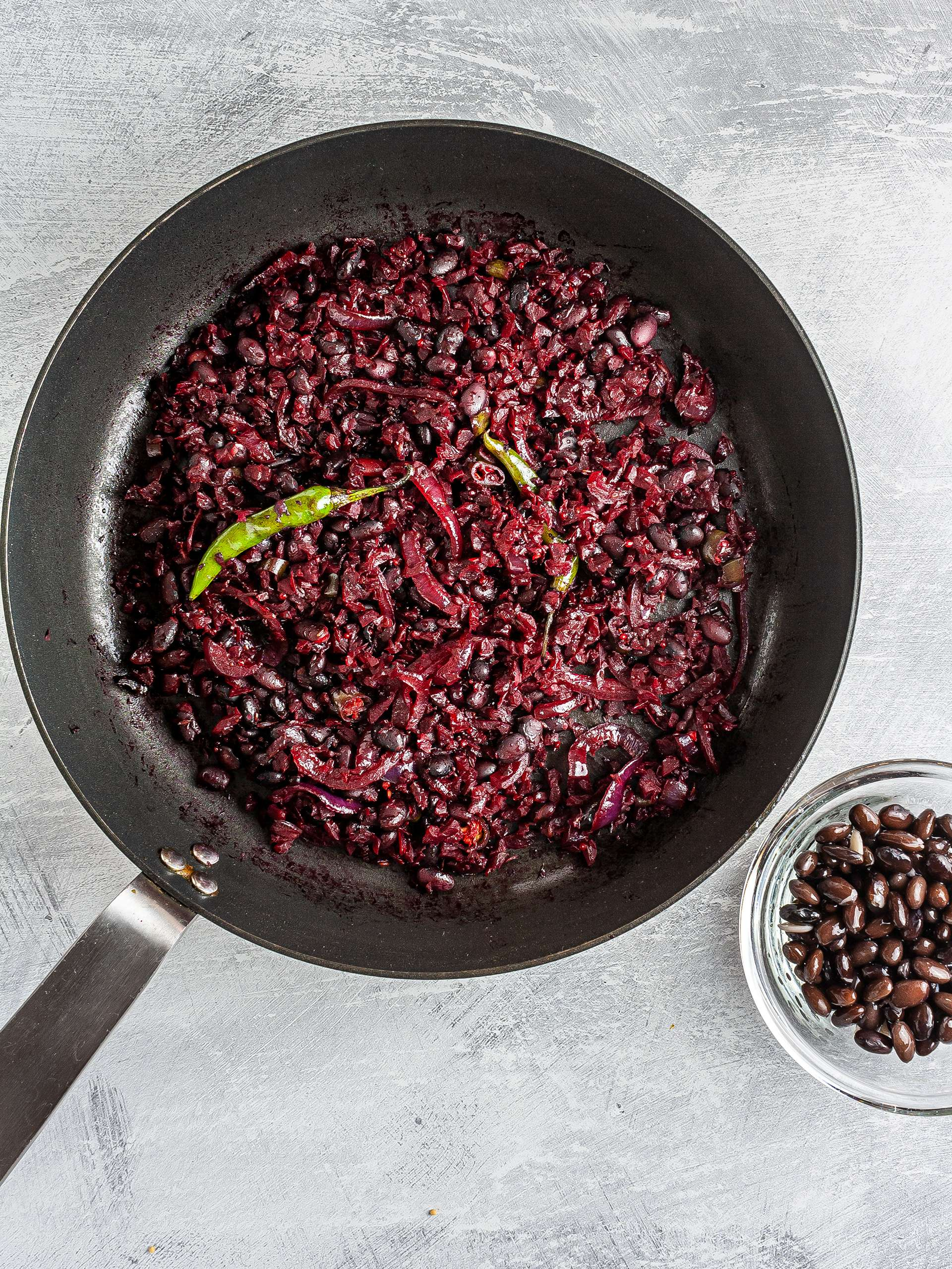 Cooked beetroots and black beans