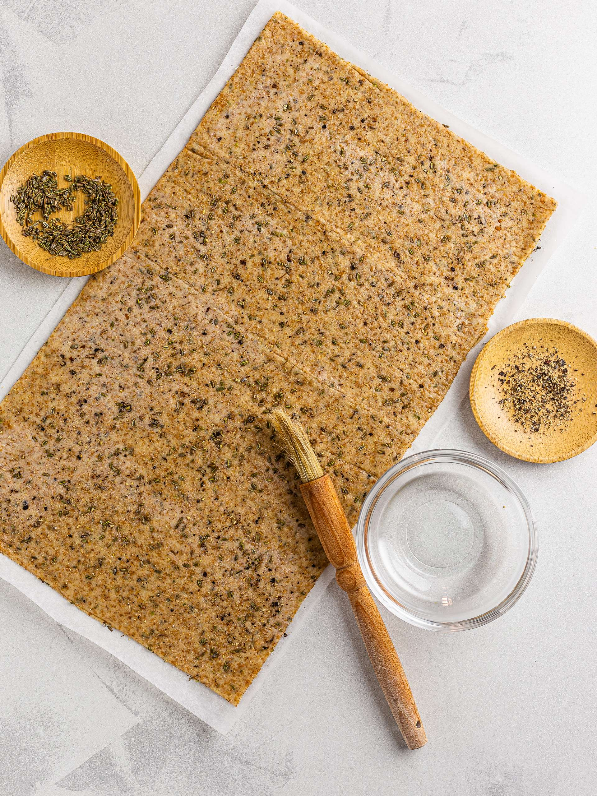 sourdough crackers with fennel and pepper