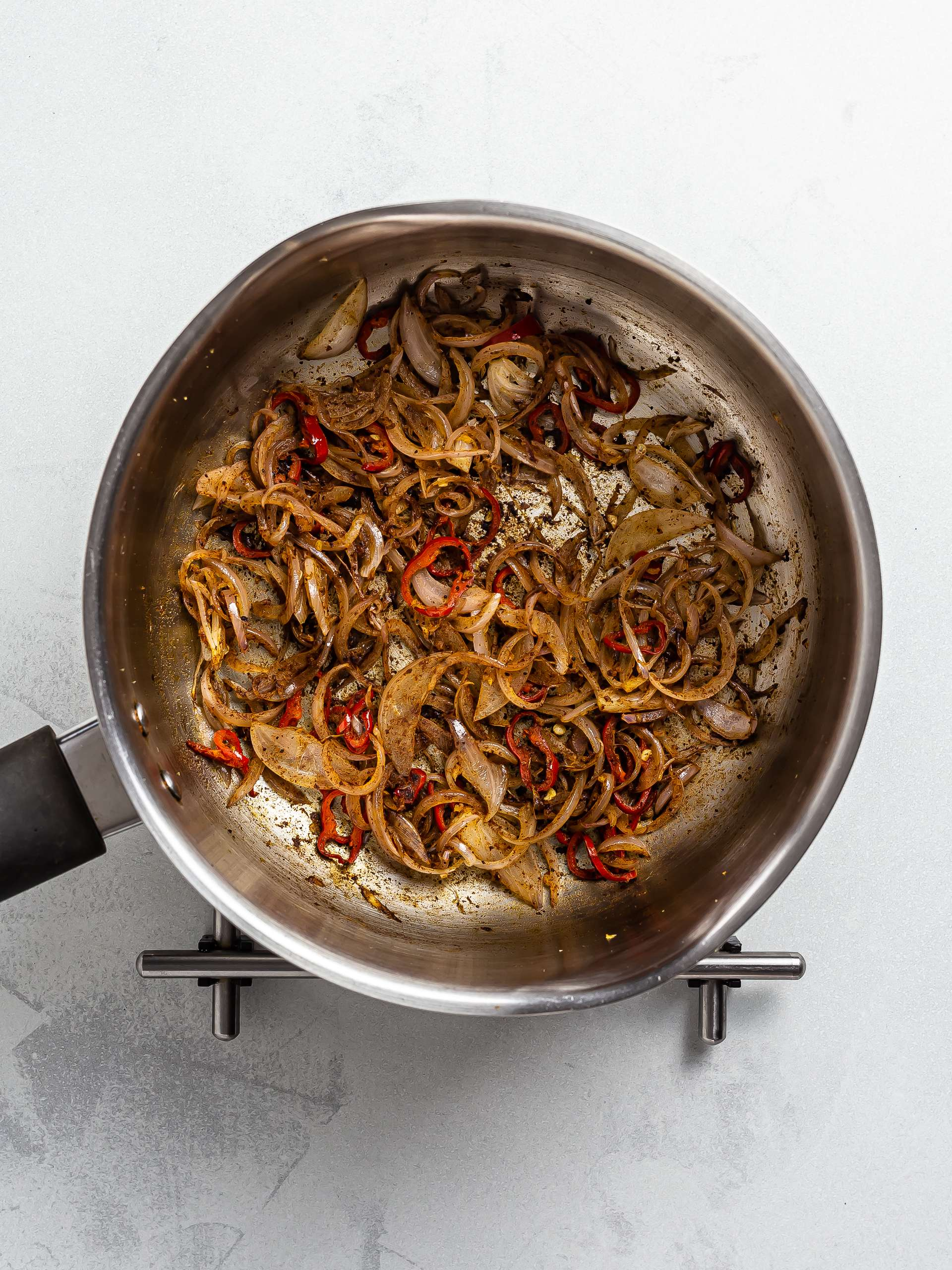 caramelised onions with spices for chutney