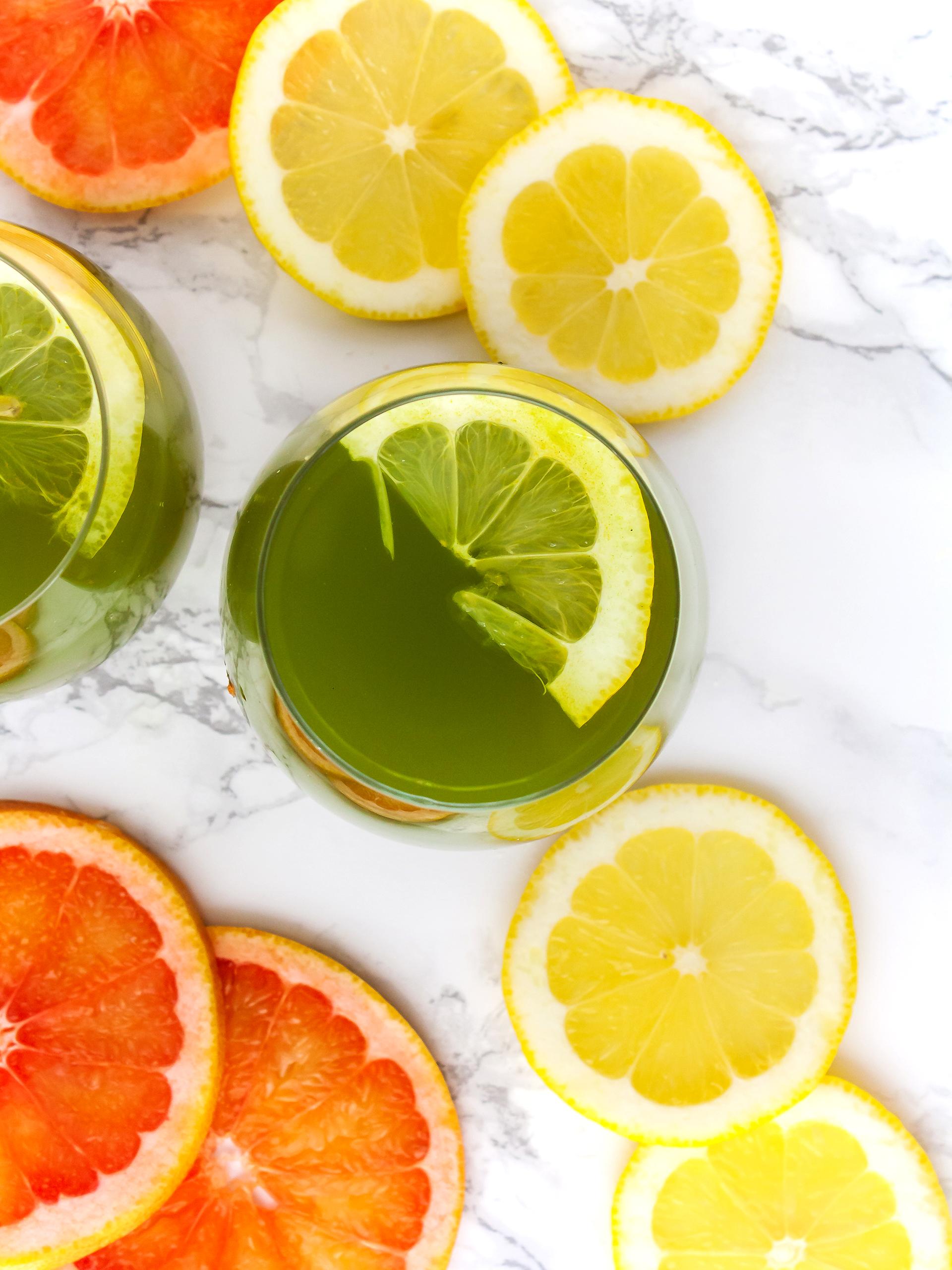 Detox Grapefruit Spirulina Lemonade with Turmeric Thumbnail