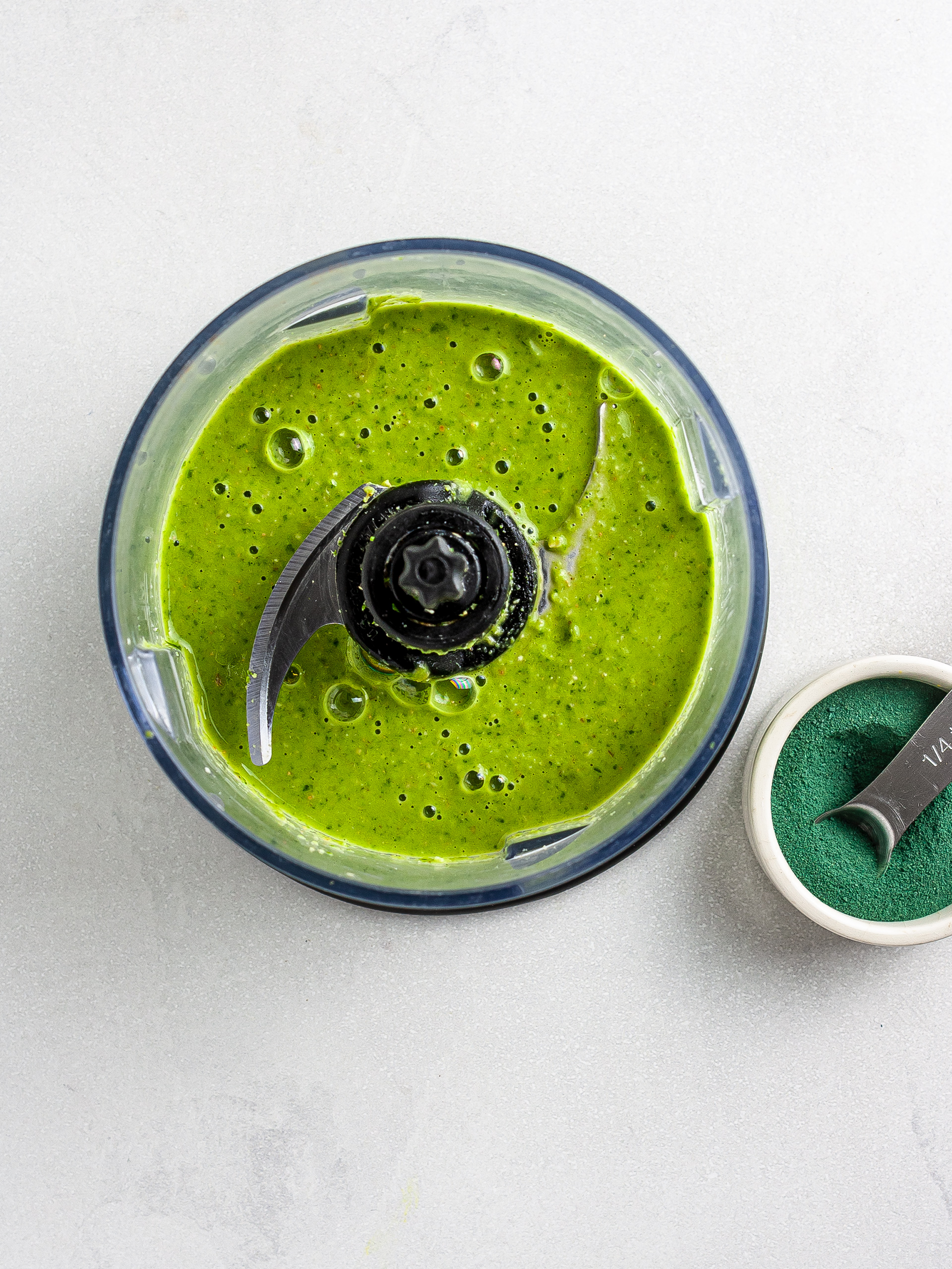 Green spinach smoothie with spirulina