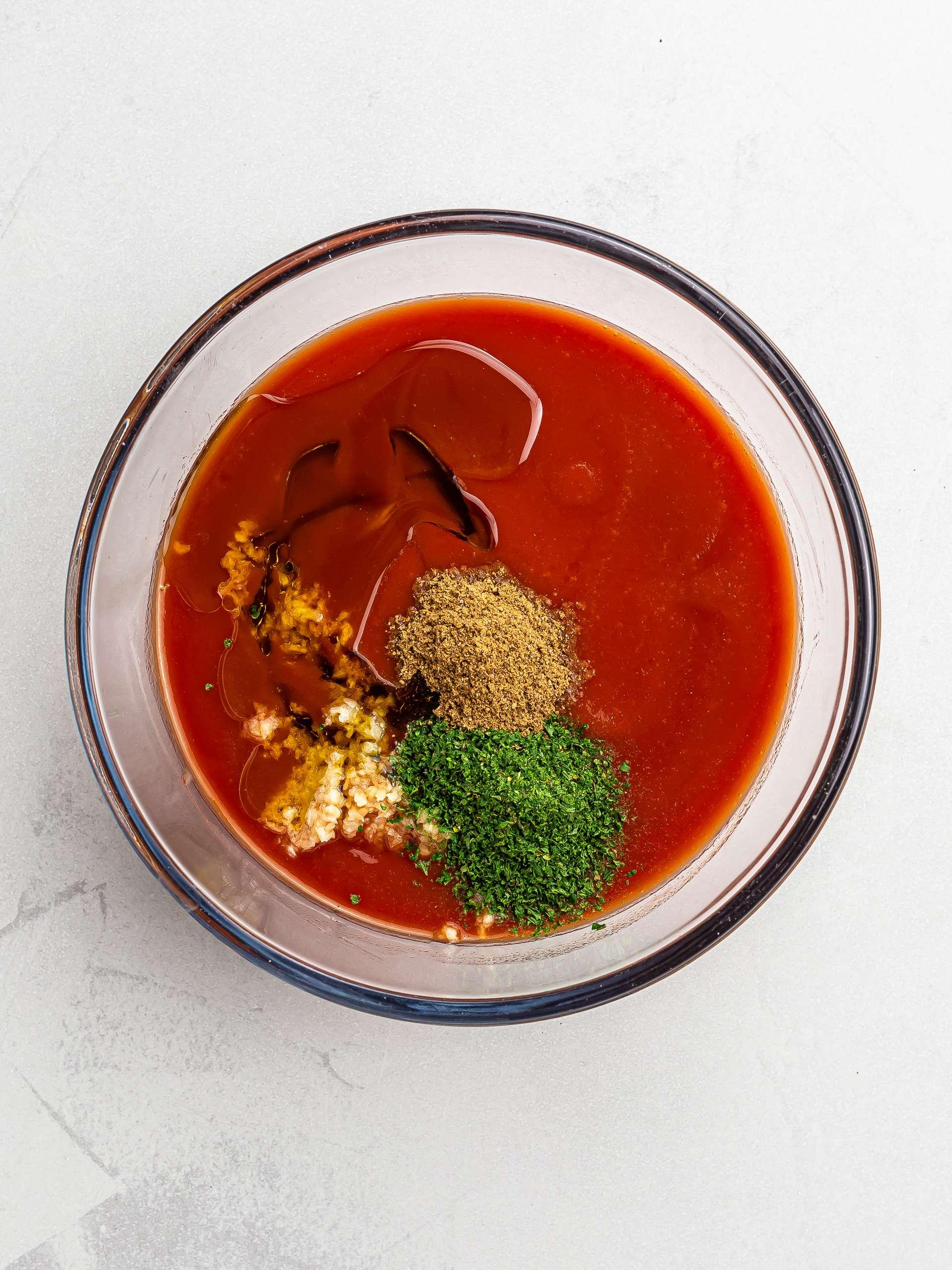 tomato sauce for lebanese moussaka