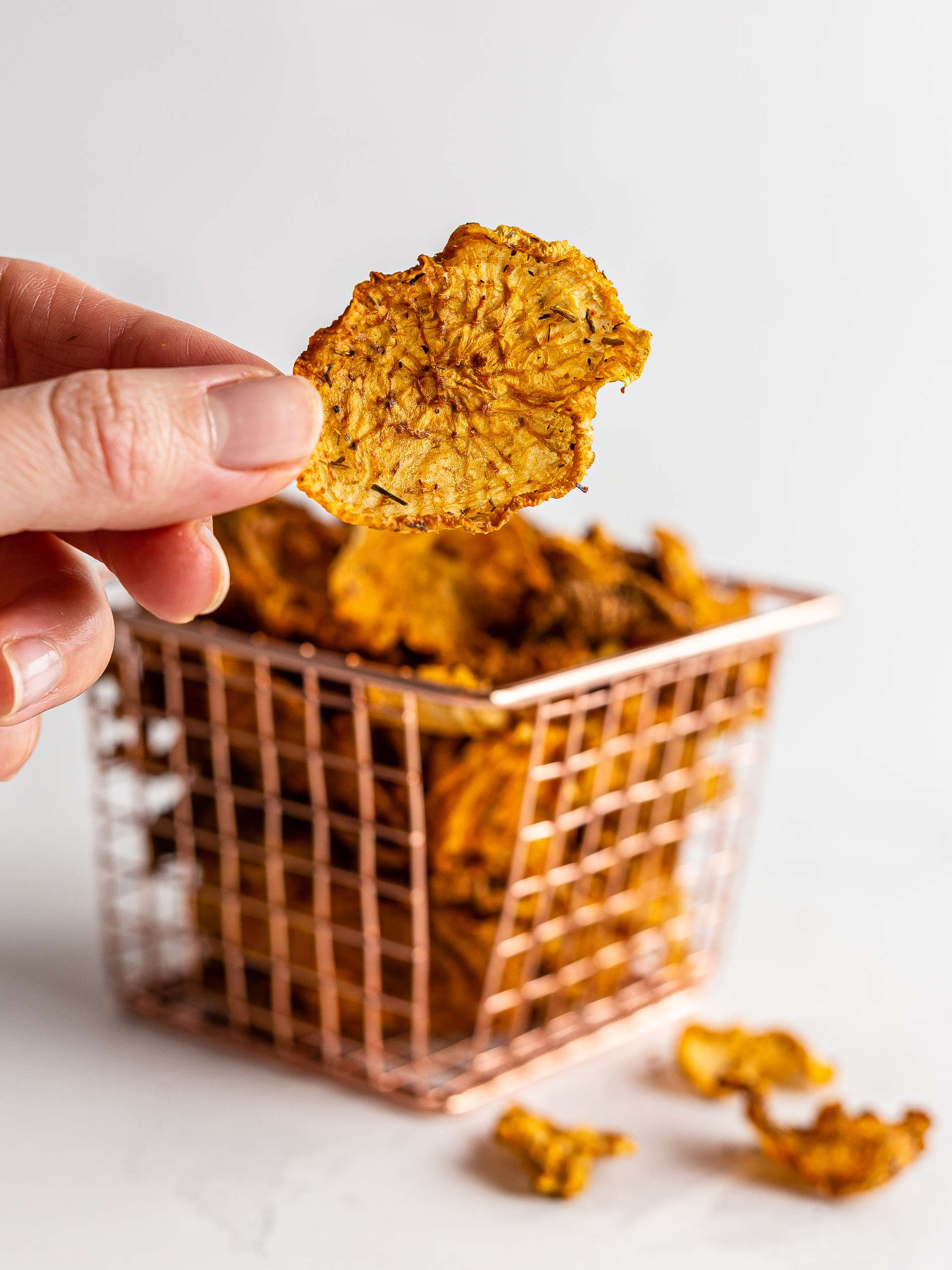 {Oven-Baked, Low-Carb} Daikon Chips  Thumbnail