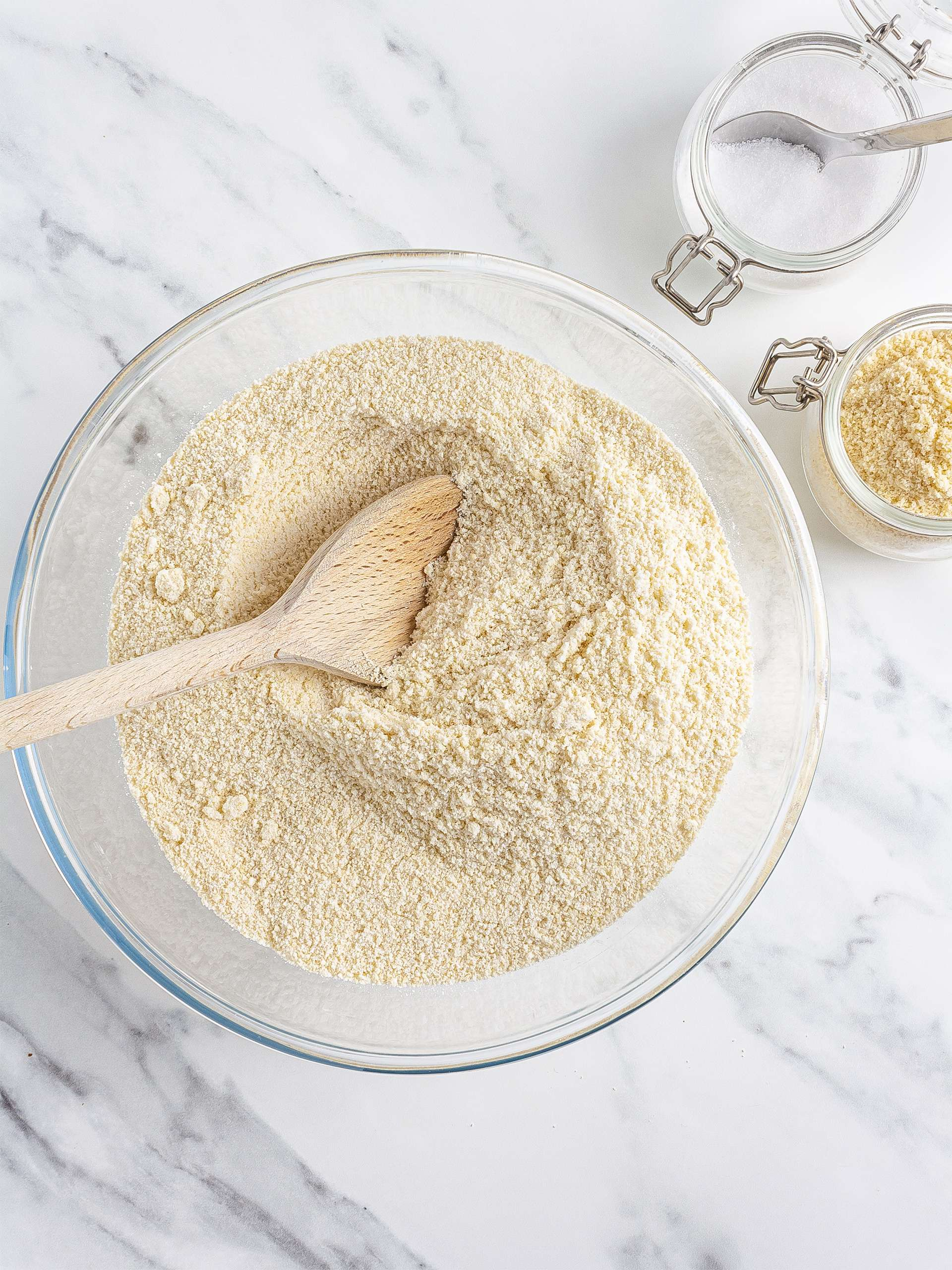 Almond flour with erythritol