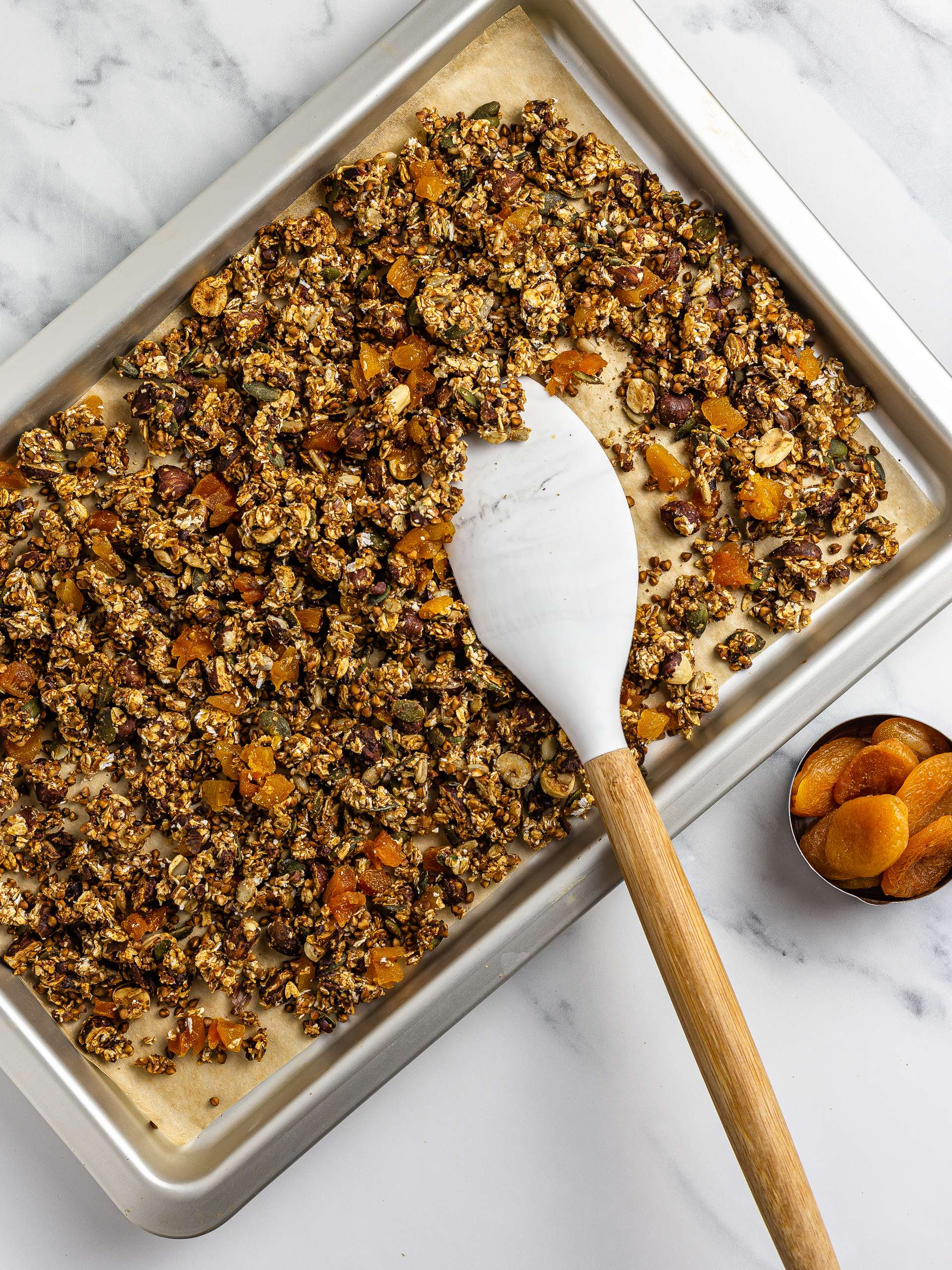 apricots in sugar-free granola