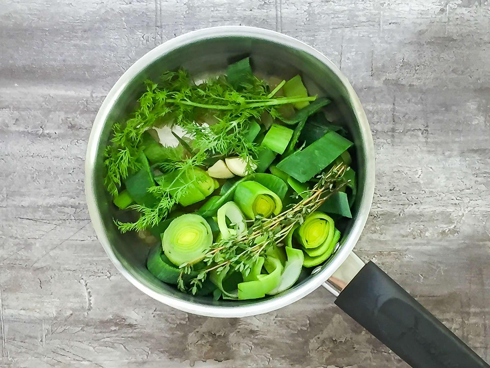 Leeks and herbs