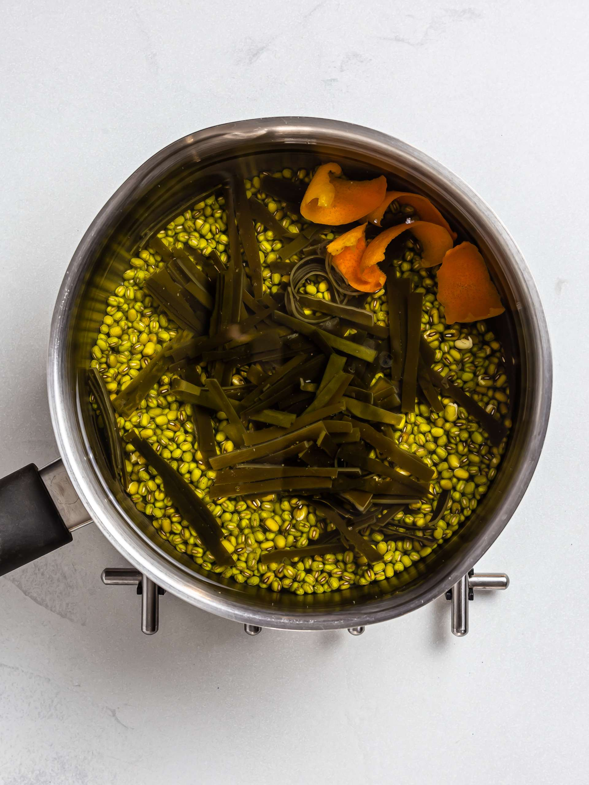 chinese mung bean soup ingredients in a pot