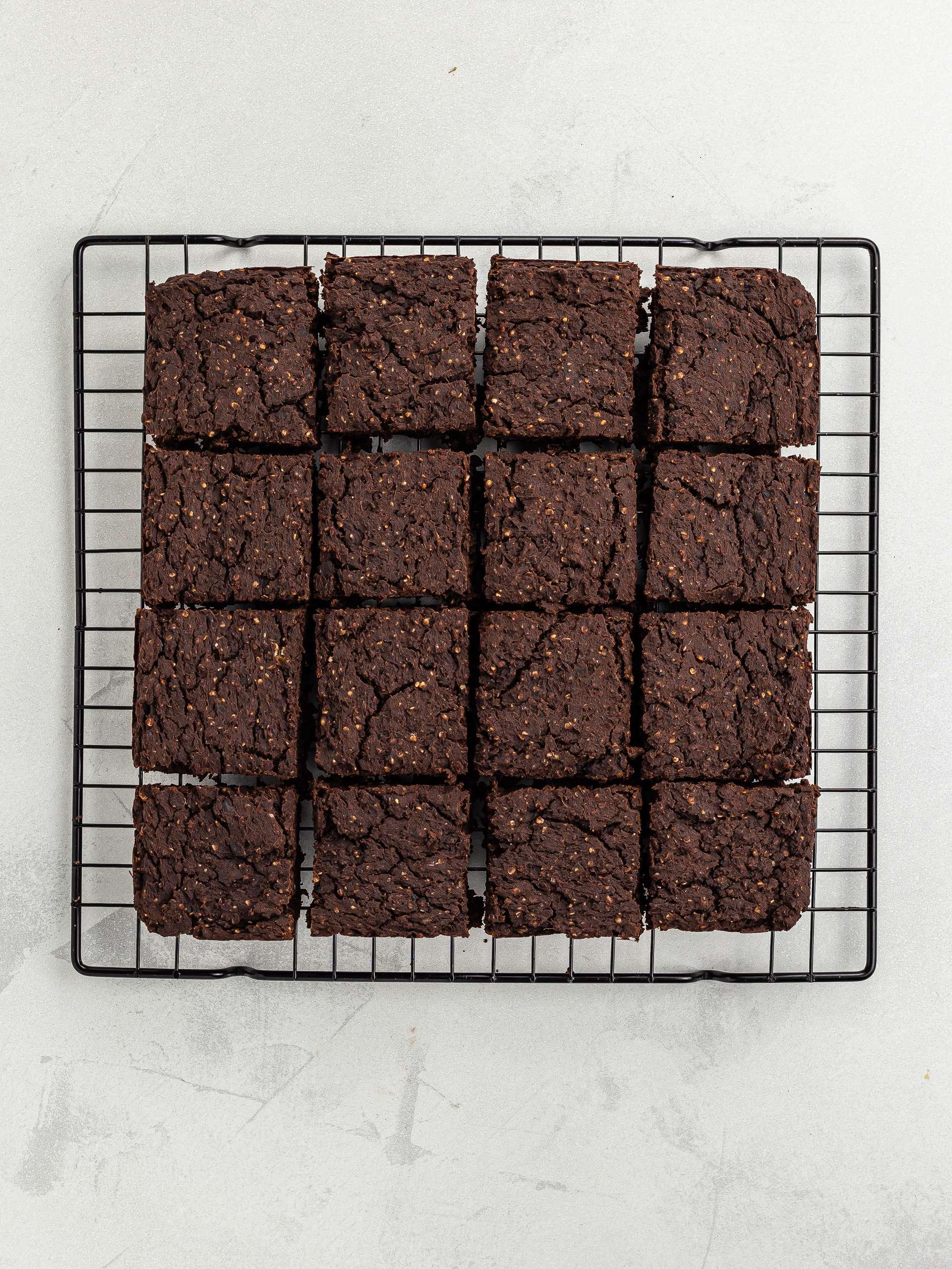 baked hemp brownies squares