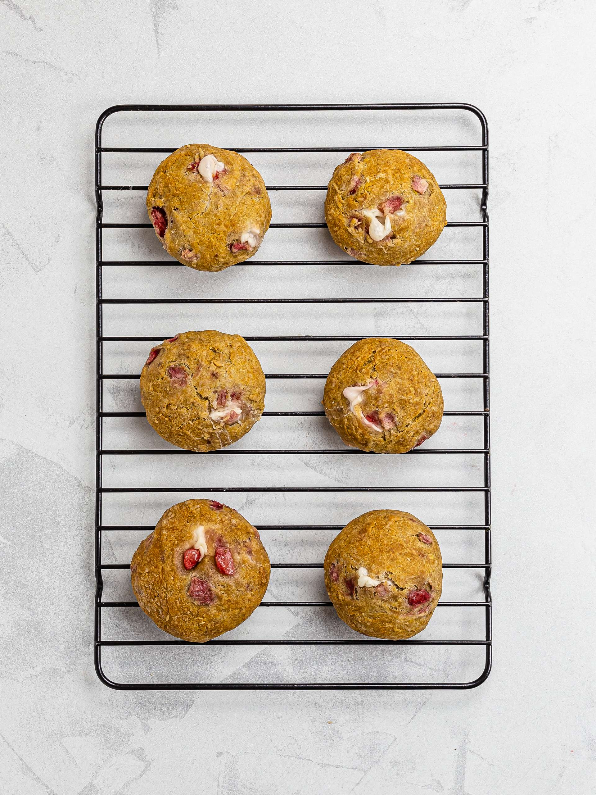 baked strawberry cheesecake cookies