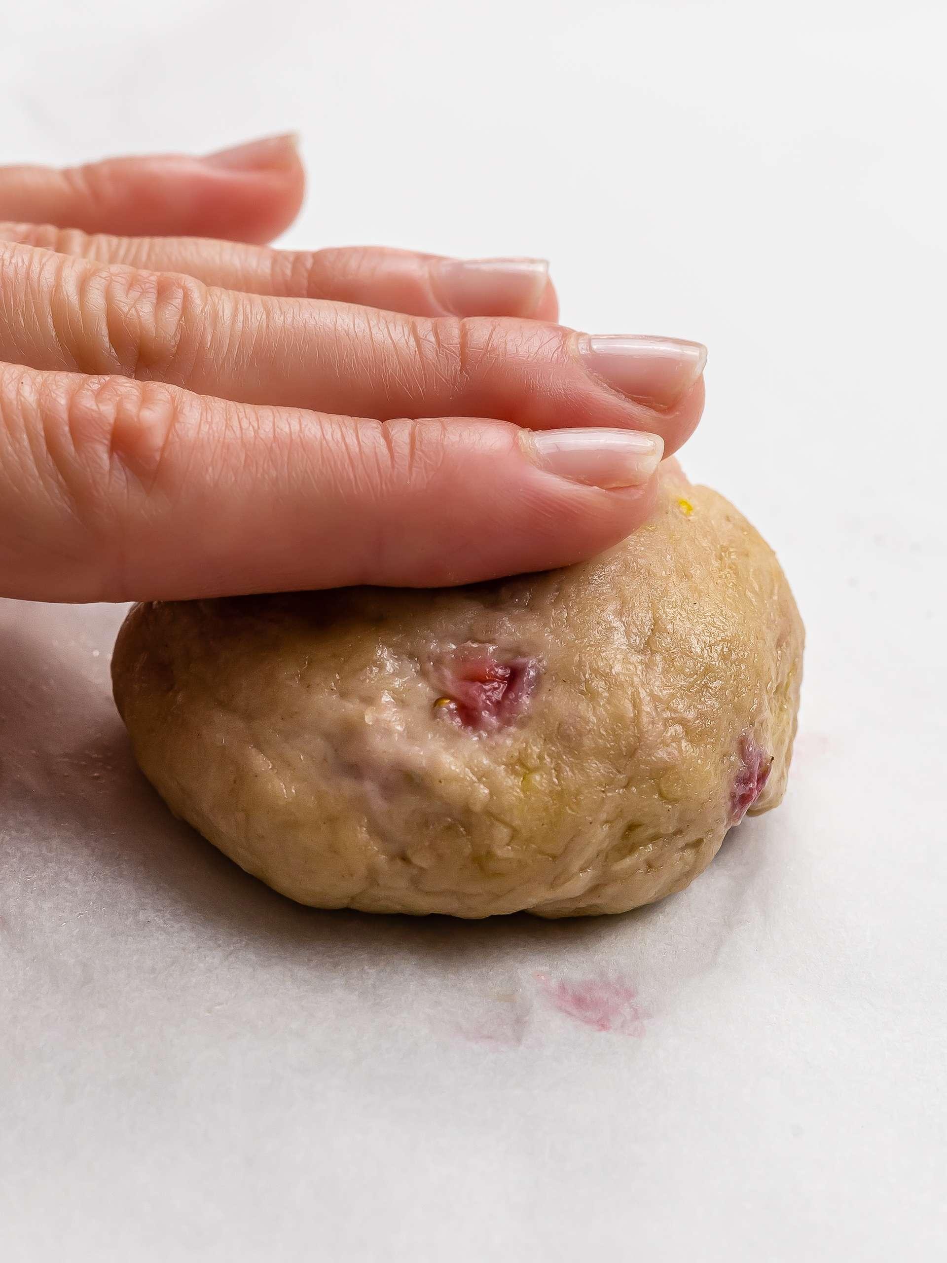 how to shape stuffed cookies