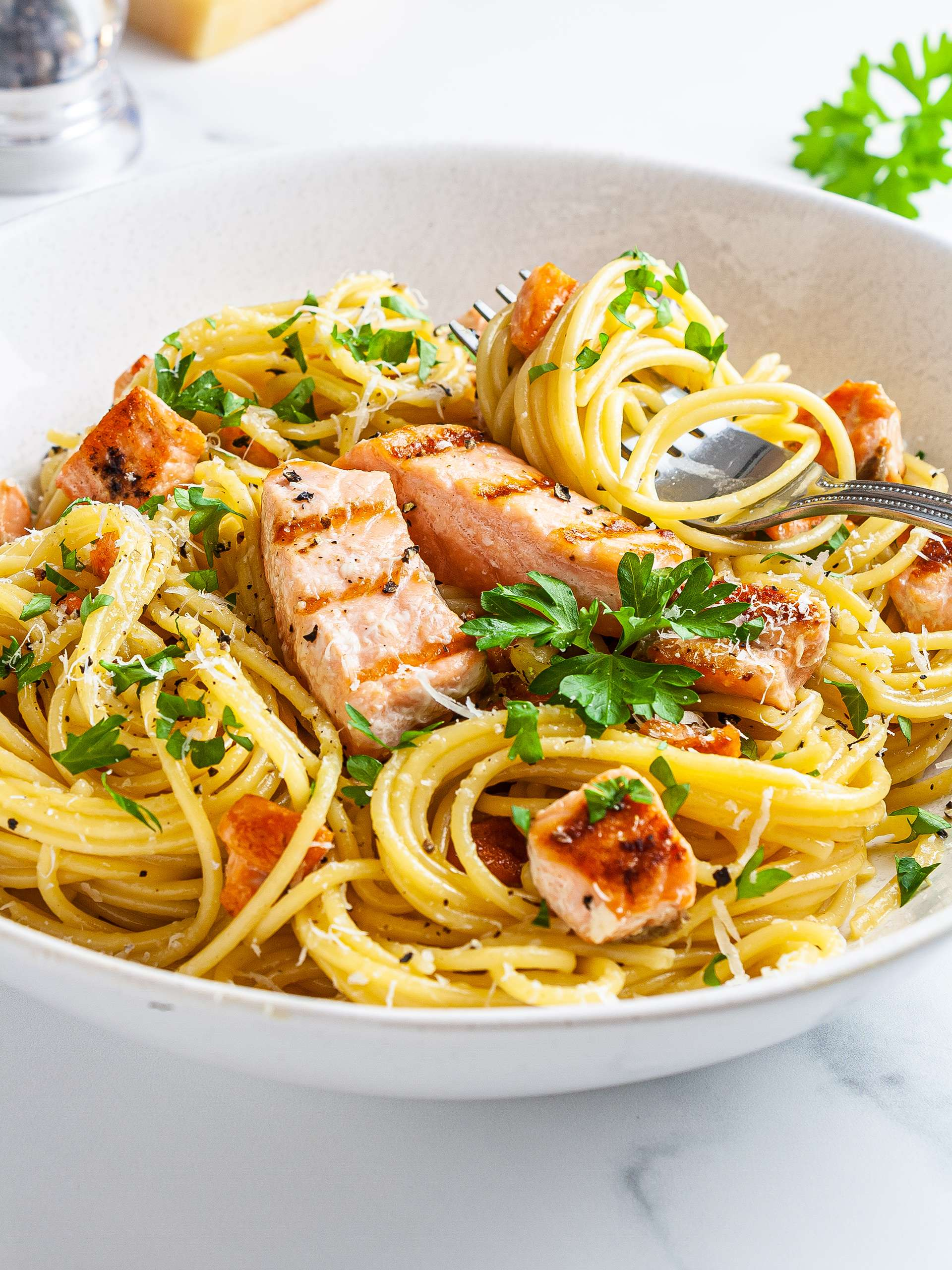 No Cream Carbonara with Crispy Salmon Thumbnail