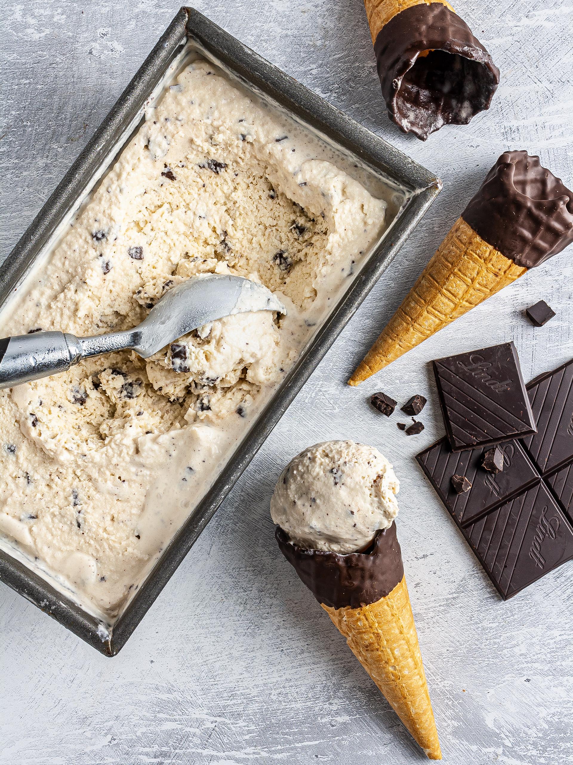 Stracciatella Gelato without Ice Cream Maker Thumbnail