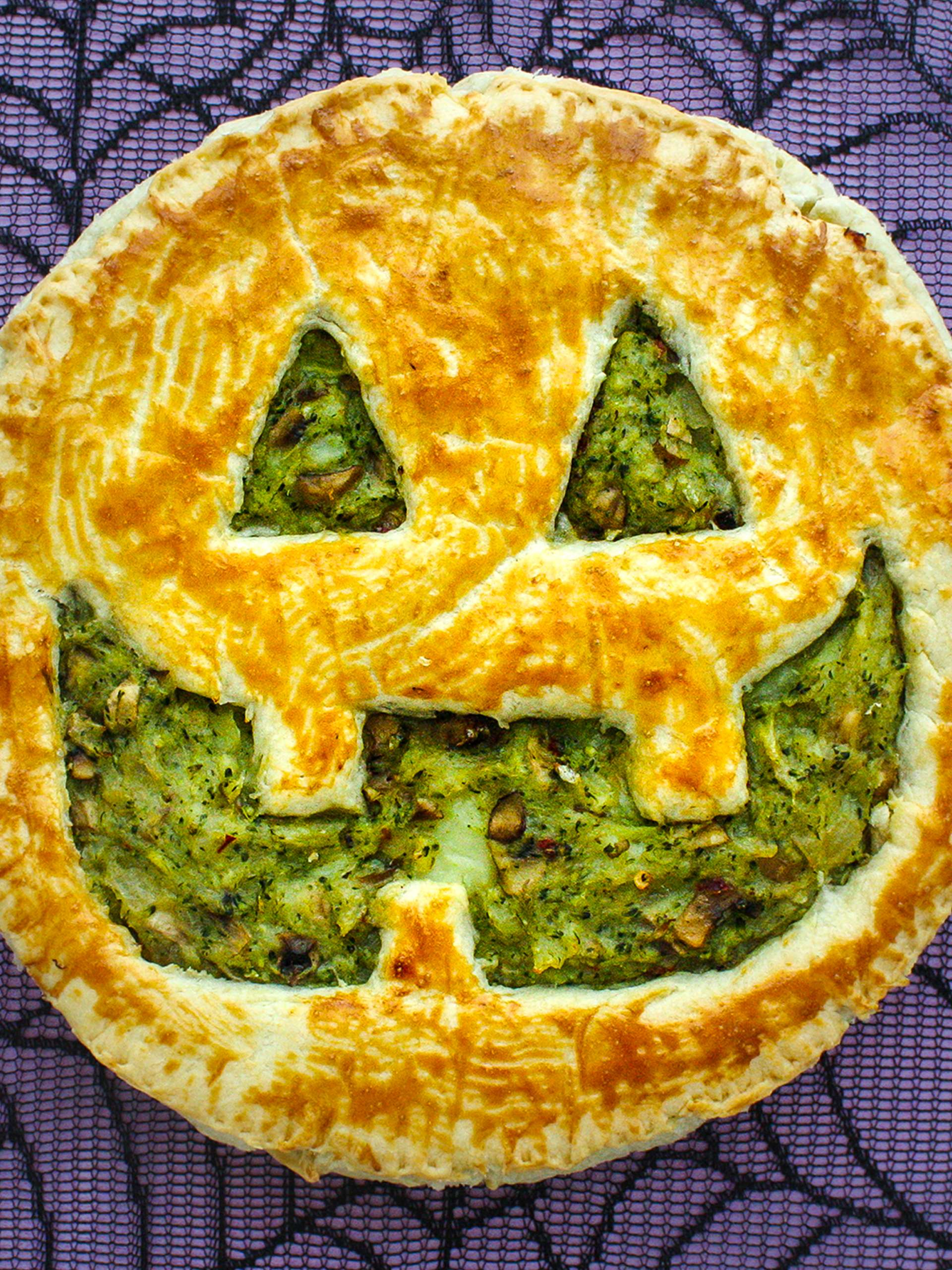 Easy Vegan Halloween Party Pie  Thumbnail