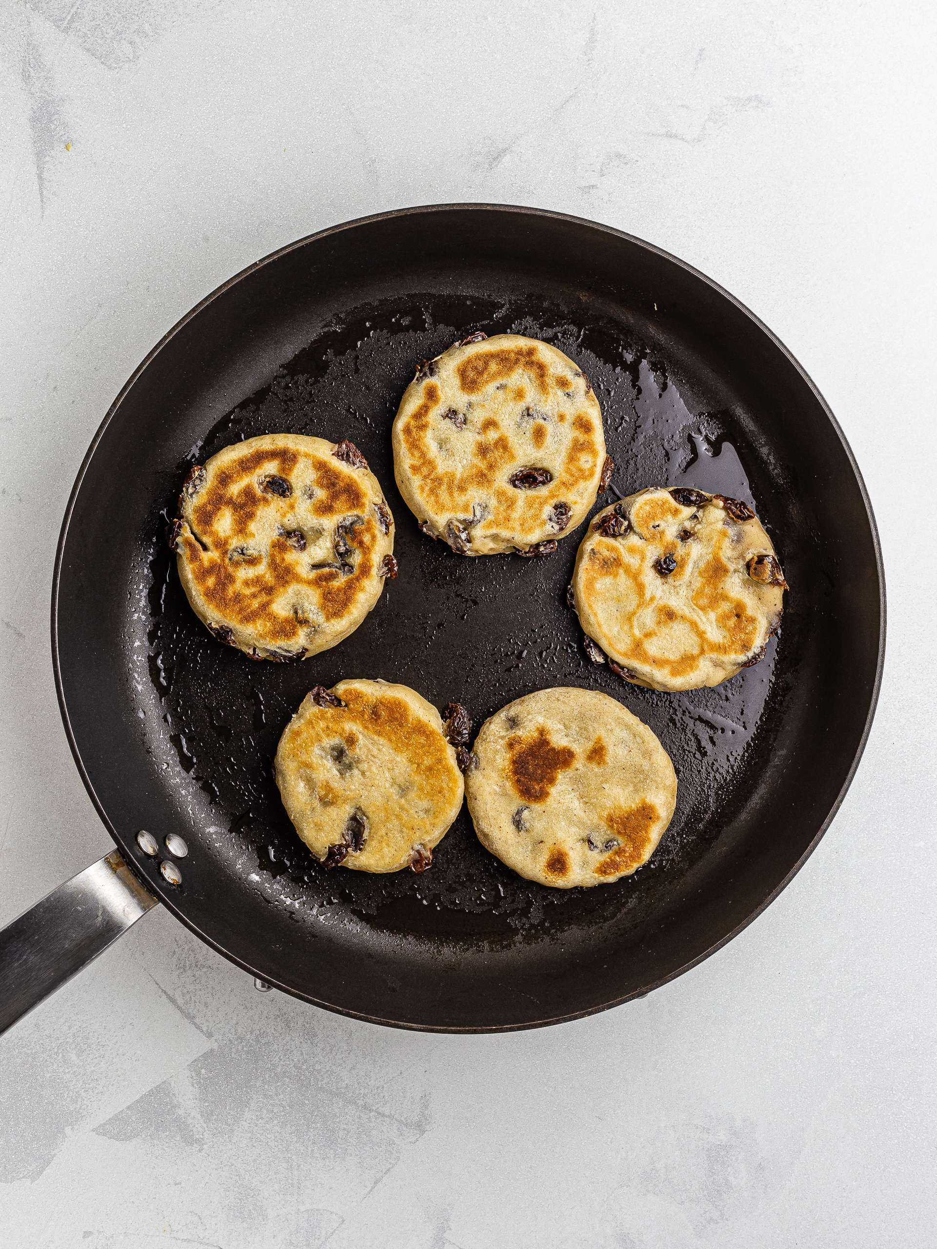 how to cook welsh cakes with a skillet