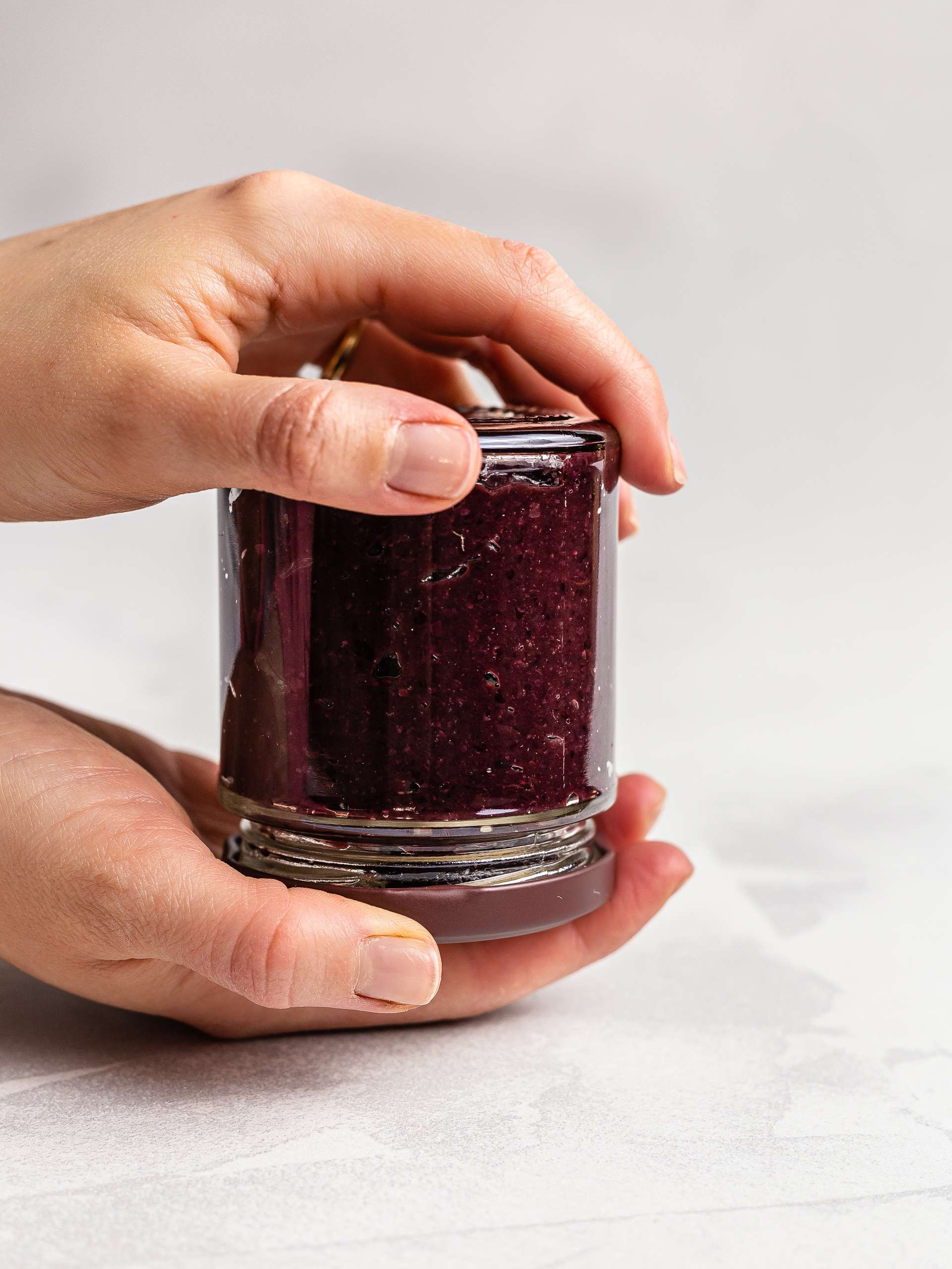 how to seal cherry jam in a jar