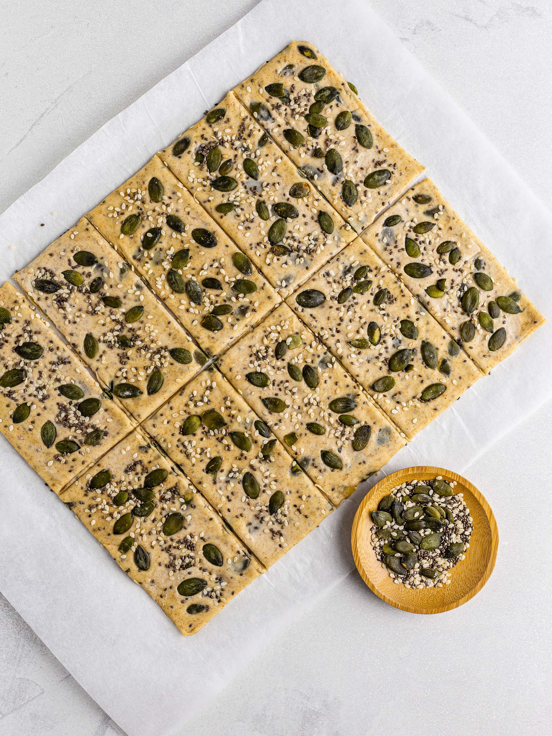 spelt crackers with pumpkin and chia seeds
