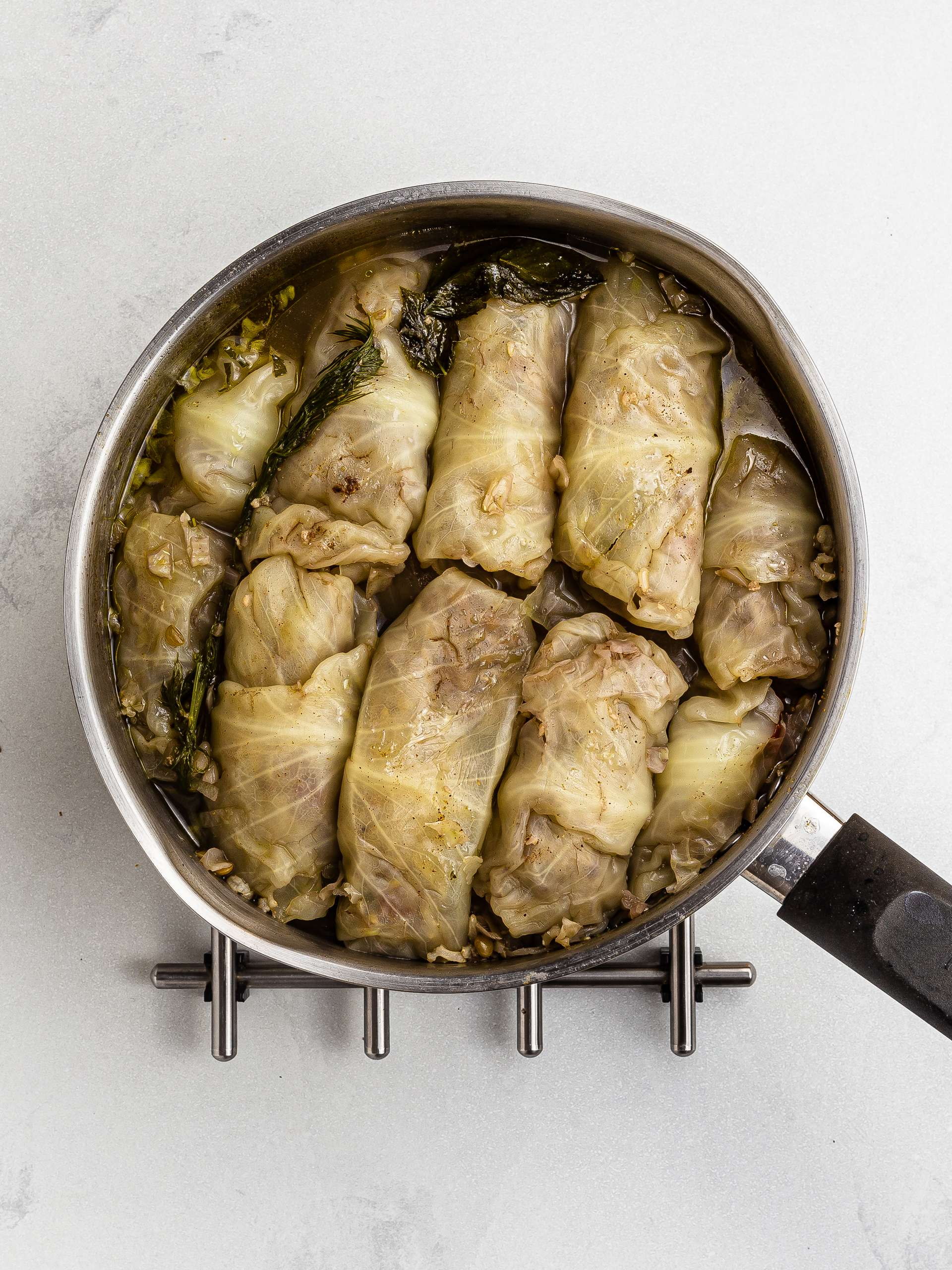 cooked lebanese cabbage rolls