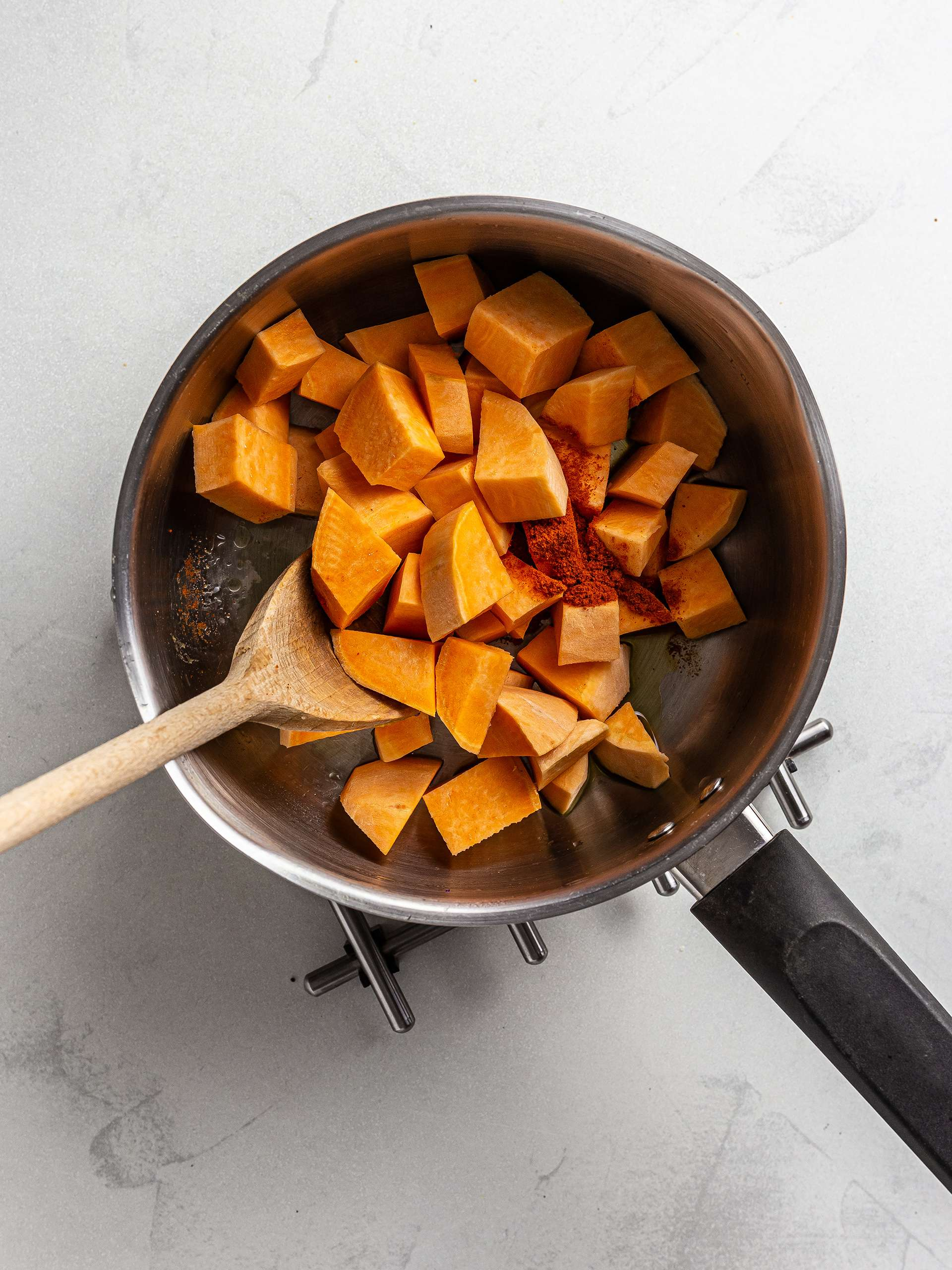 sweet potatoes stew with chilli powder