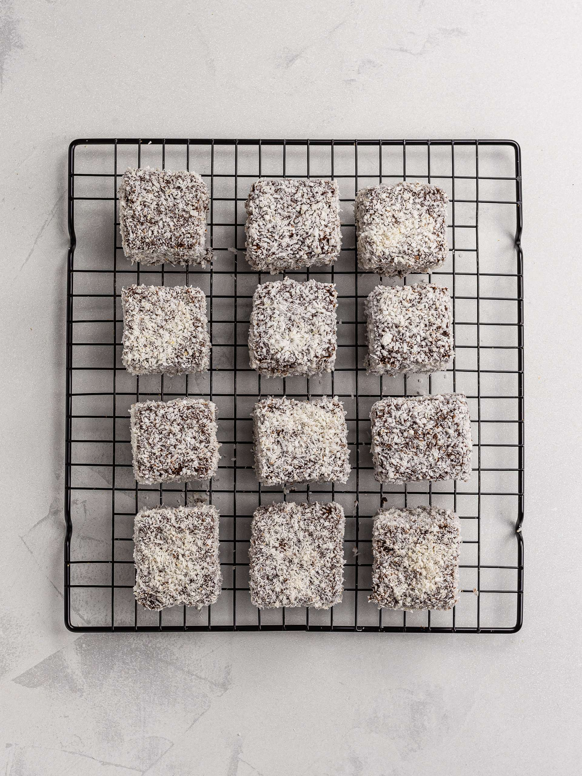 coconut and chocolate coated lamingtons