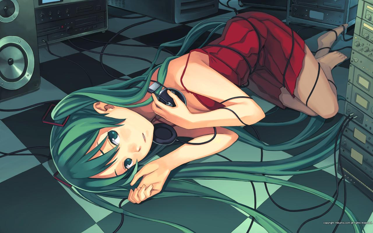 miku is apparently an audiophile, wallpaper sized