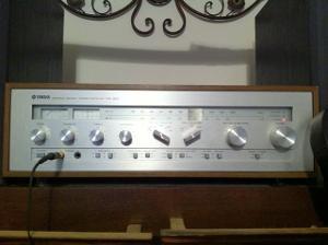 Yamaha CR-820 receiver