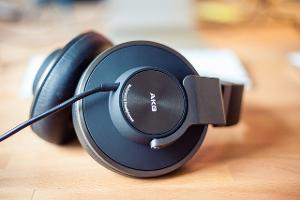 Introducing the K550. Built for the studio, engineered for the iPod, and designed with a mature...