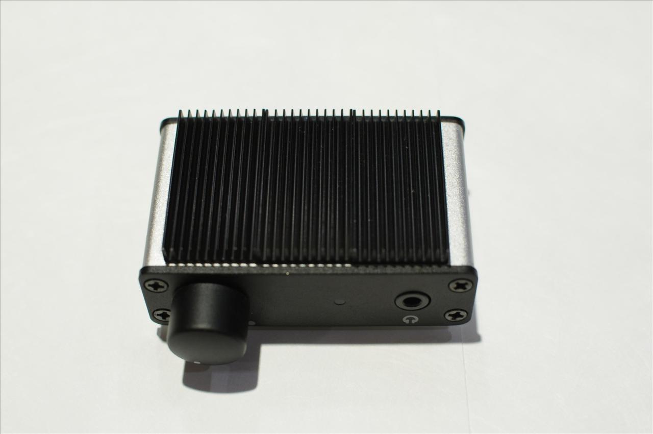 Heatsinks (3) firmly installed on top.