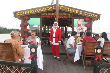 Christmas Eve Sunset Dinner Cruise in Hoi An