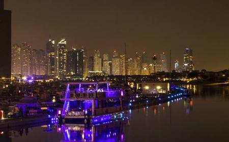 Dubai: dinner boat trip through