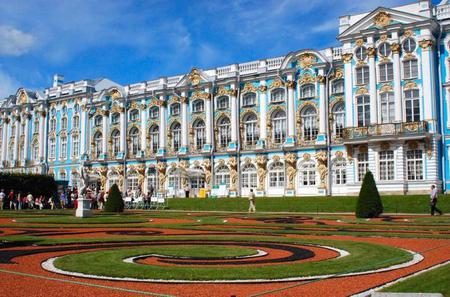 2-Day St. Petersburg Sightseeing Experience with Round-Trip Airport Transfers