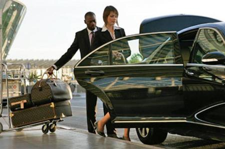 One-Way Low Cost Private Arrival Transfer from Kuala Lumpur International Airport to Kuala Lumpur City
