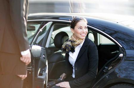 Private One-Way Arrival Transfer From Liverpool Airport to Liverpool