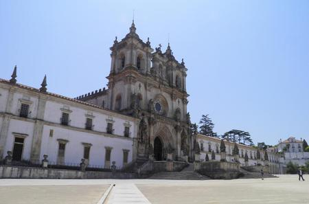 Private Tour of Alcobaca Monastery and Obidos from Lisbon