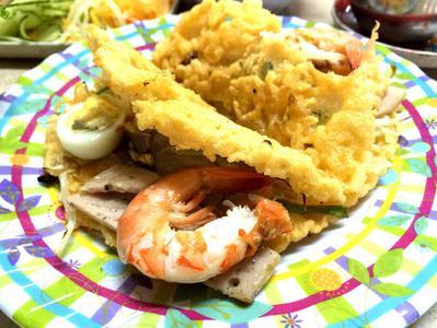 Hue Royal City Street Eats Evening Food Tour by Cyclo