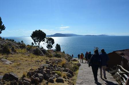 Full-Day Guided Lake Titicaca Tour: Uros Floating Islands and Taquile Island