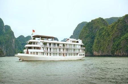 Overnight Classic Halong Bay Cruise with La Vela