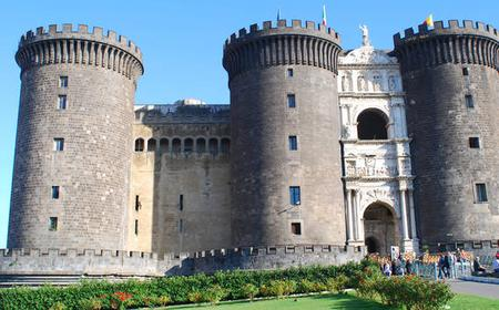 Naples: Castel dell'Ovo & Castel Nuovo Family Tour