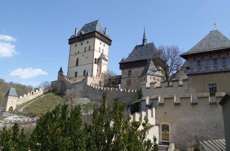 Full-Day Countryside Bike Tour to Karlstejn Castle from Prague