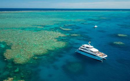 Great Barrier Reef: Helicopter Flight, Snorkeling & BBQ