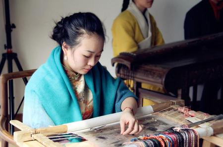 1 day Suzhou Private Tour of TaiHu Lake And Silk Embroidery Research Institute